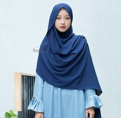 New fashion inspiration casual stylists ideas Islamic Fashion, Muslim Fashion, Modest Fashion, Trendy Fashion, Fashion Models, Fashion Outfits, Fall Fashion, Modest Dresses, Modest Outfits