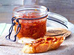 Pesto rosso selber machen - so geht's | LECKER
