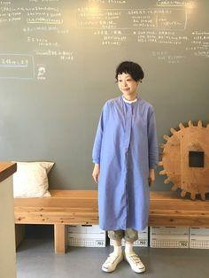Olive Clothing, Natural Clothing, Older Women Fashion, Womens Fashion, Dress Skirt, Dress Up, Short Grey Hair, Japan Fashion, Fashion Images