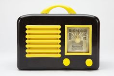 ♥ General Television Art Deco Black + Yellow Bakelite Radio