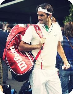 Wimbledon - Roger ever so stylish on and off court