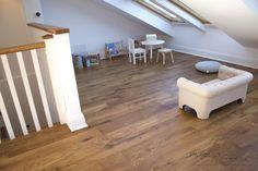 Tarima de roble encolado al suelo y acabado al aceite Hardwood Floors, Flooring, Wood Flooring, Dining Room, Oil, Wood Floor Tiles, Floor