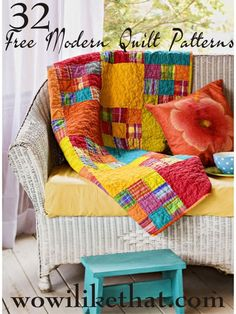 32 Free Modern Quilt Patterns--round up with pictures from many sources for modern quilts Quilt Baby, Quilting Projects, Quilting Designs, Quilting Patterns, Quilting Ideas, Block Patterns, Quilting Fabric, Fabric Patterns, Sewing Projects