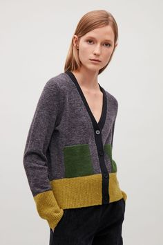 Colour-block cardigan with mohair pockets - Dark grey - Knitwear - COS US Jeans Recycling, Color Blocking, Colour Block, Angora, Knitting Magazine, How To Purl Knit, Lookbook, Knit Fashion, Yohji Yamamoto