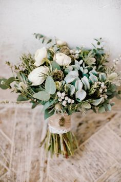 Rustic bouquet wrapped with twine | Irina Klimova Photography | see more on: http://burnettsboards.com/2014/09/beauty-flower-exquisite-bridal-editorial/