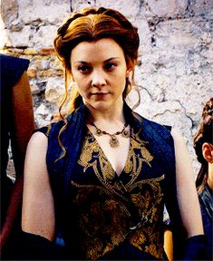Margaery Tyrell at Tywin's funeral. Game of thrones, Natalie Dormer Margaery Tyrell, Cersei Lannister, A Dance With Dragons, George Rr Martin, Natalie Dormer, Character Aesthetic, Character Design, Iron Throne, Sansa Stark