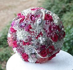 Pink and Red Wedding Brooch Bouquet. Deposit on made to order Heirloom Bridal Broach Bouquet Bridal Bouquet Pink, Wedding Brooch Bouquets, Diy Bouquet, Bridal Flowers, Broschen Bouquets, Magenta Wedding, Hot Pink Weddings, Fabric Flower Brooch, Wedding Ideas