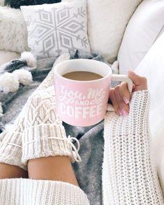 Cable Knit Diamond Thigh-High Socks - The Urban Doll todo sobre estudio Oberschenkelhohe Socken aus Over Knee Socks, Thigh High Socks, Thigh Highs, Coffee Art, My Coffee, Coffee Cups, Coffee Break, Tumblr Cafe, Feed Black