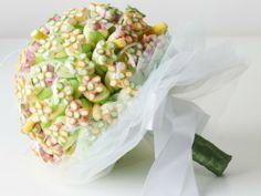Bouquet de dama de honra todo feito em marshmallows e balas , minha criação.