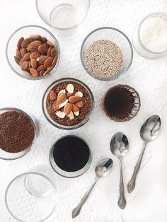 Pouding de graines de chia au café, au chocolat, à l'érable & aux amandes | Coffee and chocolate chia seeds pudding with maple syrup and almonds
