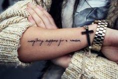 Everything Happens For A Reason Tattoo Designs Forearm tattoo – Top Fashion Tattoos Tatoo Henna, Diy Tattoo, Tattoo Fonts, Get A Tattoo, Tattoo Ideas, Typographic Tattoo, Tattoo Regret, Tattoo Small, Sarah Tattoo
