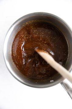 Teriyaki Sauce Recipe - How to Make Teriyaki Sauce Make Teriyaki Sauce, Baked Teriyaki Chicken, Hoisin Sauce, Recipes With Soy Sauce, Honey And Soy Sauce, Japanese Teriyaki, Starch Foods, Veggie Skewers