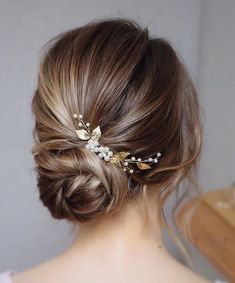 Bridal hair piece Wedding hair pins Bridal hair accessories Bridal hair vine Bridal headpiece G Bridal Hair Updo, Bridal Hair Vine, Headpiece Wedding, Bridal Headpieces, Wedding Veils, Bohemian Headpiece, Bridal Bun, Gold Headpiece, Pearl Bridal