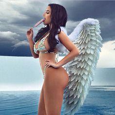 Abigail Ratchford looks like a beautiful Victoria secret Angel 💖💝💕😍☺️💞💗