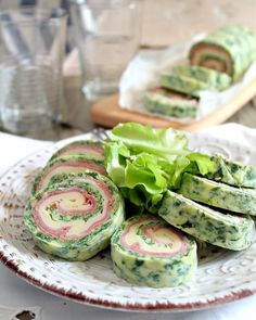 Rotolo di frittata di spinaci con provola è cotto  http://ift.tt/2cRFE8p  #rotolo #frittata #antipasti #provola #foodporn #vsco #foodstyle #food #cooking #foodstagram #follow #followme #instagood #instalike #instadaily #recipe #italianrecipe #italianfood #ricettedellanonna #good #love #happy #italy #passione #fotooftheday #foodblogger #chef #beautiful #irinox #vscofood