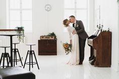 Boheemit talvihäät – stailattu hääkuvaus Epaalan Anselmilla Weddings, Wedding Dresses, Photography, Fashion, Bride Dresses, Moda, Bridal Gowns, Photograph, Fashion Styles