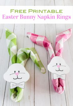 How to style napkins to look like Easter Bunnies for an Easter dinner table. How to style napkins to look like Easter Bunnies for an Easter dinner table. Easter Table Settings, Easter Table Decorations, Easter Centerpiece, Easter Dinner, Easter Party, Bunny Napkin Fold, Napkin Folding, Easter Crafts, Easter Ideas