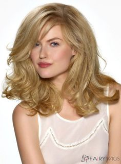 Love this hair style and color--this cut draws attention away from a square jawline--the point cuts towards the face a sure nuff NO NO for anyone with square jawline Best Human Hair Wigs, Cheap Human Hair Wigs, 100 Human Hair, Blonde Hair Types, Wild Hair, Ginger Hair, Hair Photo, Hair Pictures, Hair Designs