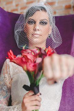 Editorial Noiva Rock Your Wedding - Para a III Oficina das Noivas | Local: Centro Cultural Olho da Rua | Foto: Carlos Leandro Fotografia. Produção: Oficina das Noivas  Ps: Para ver a ficha tecnica clique na foto.