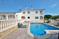 Search on the web for villas in Santa Sils