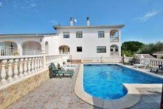 Visit Alicante to view the castle of Santa Barbara