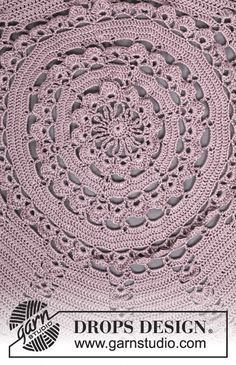 """Crochet DROPS jacket worked in a circle with lace pattern in """"Cotton Viscose"""". Size: S - XXXL. ~ DROPS Design"""