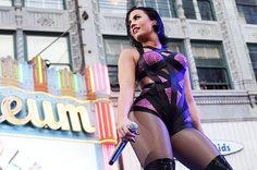 (*) Twitter She Was Beautiful, Demi Lovato, Rave, Wonder Woman, Superhero, Sexy, Summer, Posts, Twitter