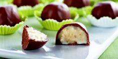 Trufas simples: Receita super fácil de fazer (os melhores recheios) Cake Pops, Portuguese Desserts, I Chef, Coco, Truffles, Sushi, Cheesecake, Dessert Recipes, Cooking Recipes