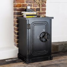 coffre fort ancien withers et son theatre pinterest forts et fils. Black Bedroom Furniture Sets. Home Design Ideas