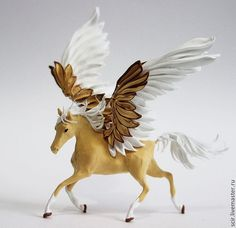Brown Pegasus Horse Skulpture Figurine Art Fantasy Animals Totem Amulet