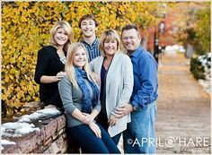 Holiday-Family-Portraits-at-University-of-Colorado-in-Boulder