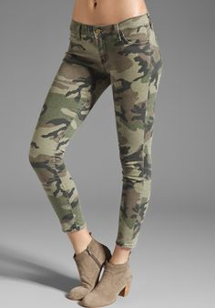 TEXTILE ELIZABETH AND JAMES Ozzy Skinny in Olive Camo at Revolve Clothing - Free Shipping!