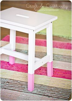 Doppad pall – DIY Dipped stool | Craft & Creativity – Pyssel & DIY. Paint the bottoms of your kitchen stool legs with a vibrant color as if you partially dipped the stool in paint, but much easier.