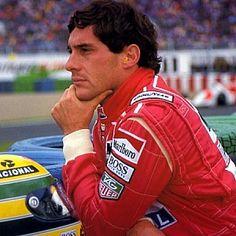"""ayrton senna do brasil  O dia 1 de Maio de 1994 eternizou na nossa memória o nome de Ayrton Senna do Brasil, o """"mago da chuva"""", o Rei do Mónaco. """"O Rei morreu, viva o rei"""".  Leia mais: http://obviousmag.org/archives/2009/05/ayrton_senna_do_brasil_-_foi_ha_15_anos.html#ixzz2OyfDjq1d"""