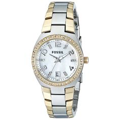 This classic timepiece by Fossil features a stainless steel case and bracelet. A silver dial, precise quartz movement and a water-resistance level of up to 100 meters finish this fine timepiece.