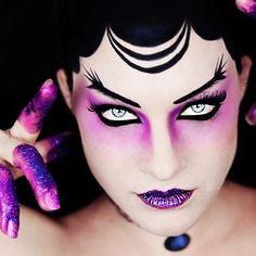 Stunning design by @charlottechocolat #creativemakeup #makeup #mua #muotd #faceart #faceartist #dupemag #magazineforcreatives #issue4comingsoon