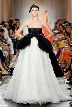 Giambattista Valli Fall 2011 Couture - Collection - Gallery - Look 44 - Style.com