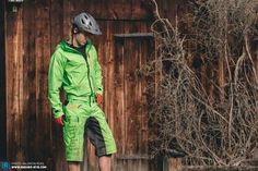 """In the """"The Lab"""" we present the latest products and put them through their paces for you. Some undergo long-term tests, while we check others out only briefly. This time we reveal how the Dirtlej Dirtsuit Classic Edition fared. Best Mtb, Lab, Bike, Magazine, Classic, Clothing, Fashion, Bicycle, Derby"""