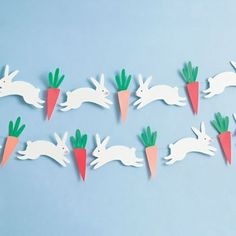 Jump-start your springtime decorating with these cute cottontails! You're bound to find them ear-resistible! <br><br> Kit Includes: pre-cut shapes, poms, twine. <br>Tools Needed: transparent tape, g