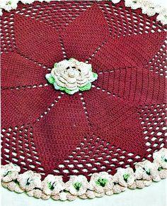 CROCHE COM RECEITA: Tapete rodeado de mini flores em crochê