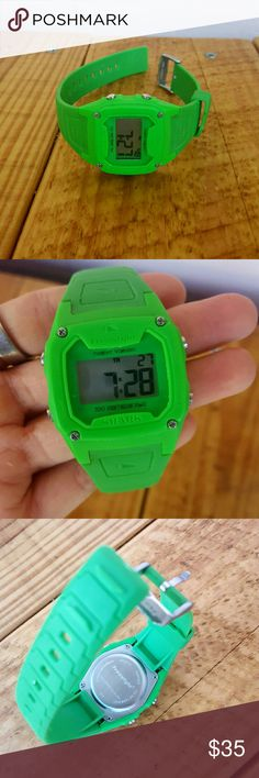 SHARK WATCH *green shark freestyle watch *unisex *euc (worn a handful of times) *comes from a Smoke-FREE home Freestyle Accessories Watches