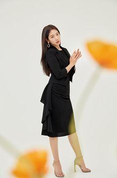 Park Shin Hye, Korean Actresses, Korean Actors, Oh Yeon Seo, Instyle Magazine, Cosmopolitan Magazine, Kim Ji Won, Chinese Actress, Celebs