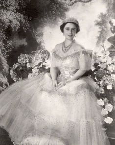 HM QUEEN ELIZABETH, THE QUEEN MOTHER.  by Cecil Beaton in 1939..