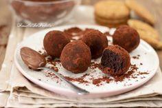 Tartufi alla nutella, ricetta veloce senza cottura Biscotti, Nutella, Cereal, Almond, Cupcakes, Cookies, Chocolate, Breakfast, Desserts