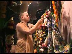 Aindra Prabhu Dresses Radha-Syamsundar - Vrindavan - YouTube