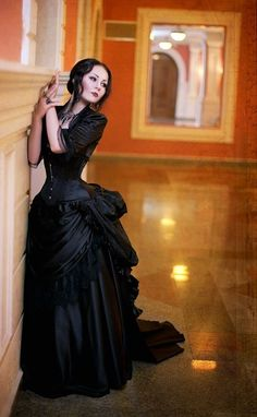 Forever in Style - Beauty and Fashion through the centuries Gothic Dress, Gothic Outfits, Gothic Lolita, Gothic Corset, Black Corset, Black Laces, Black Satin, Black Boots, Dark Fashion