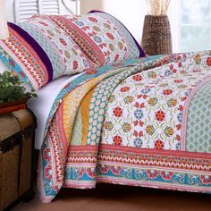 Quilt Set 100 Cotton 3 Piece with Shams Full/Queen Reversible Retro Bohemian Style Printed with Flowers Mandala Medallion Geometric Pattern Blue Red Yellow Luxury Bedding - Includes Bed Sheet Straps Bohemian Style Bedding, Bohemian Quilt, Hippie Bedding, Boho Bedding, Quilt Bedding, Luxury Bedding, Luxury Linens, Modern Bedding, Teen Bedding