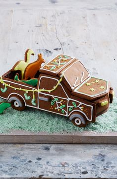 Christmas wouldn't be Christmas without gingerbread and this year we've given it a uniquely Australian touch. Introducing the Aussie gingerbread ute, complete with a load full of iconic animals. Christmas Food Gifts, Christmas Gingerbread House, Xmas Food, Gingerbread Houses, Christmas Activities, Christmas Baking, Christmas Cookies, Aussie Christmas, Australian Christmas
