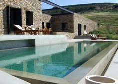 Pool designer and architect Moderne Pools, Design Exterior, Stone Houses, Cool Pools, Pool Houses, Pool Designs, Modern Architecture, Swimming Pools, Relax
