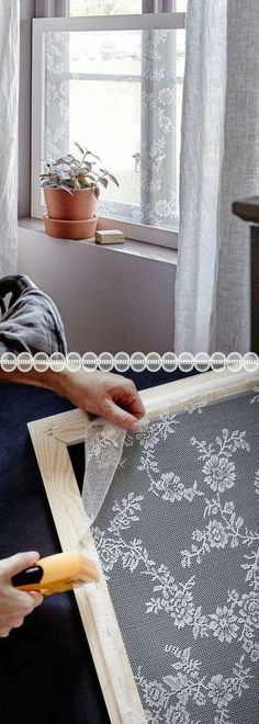 Pretty Lace Privacy Windows for Pennies